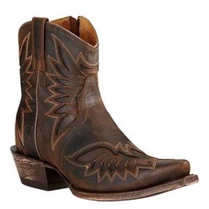 Ariat Cowgirl Ankle boots size 7.5